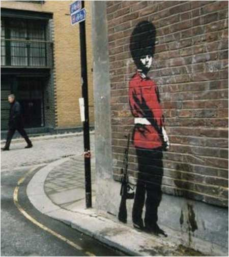 graffiti-pinkelnder-bobby-polizist