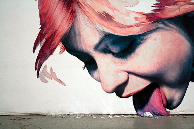 graffiti-stencil-frau-leckt-dreck